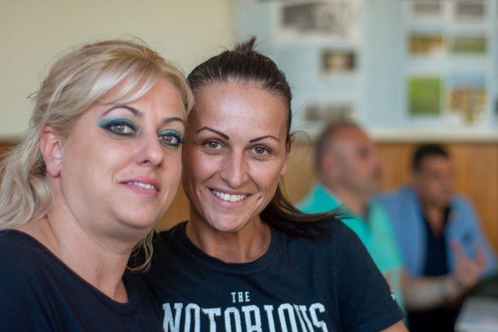 Пламена Петрова (в дясно) - кандидат за кмет на община Сливен от БСДП и Станимира Славова - кандидат за общински съветник